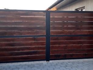 Automatická křídlová brána